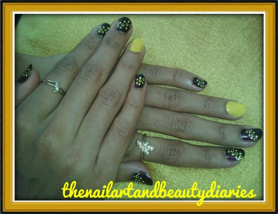 A glimpse of yellow suede nail art