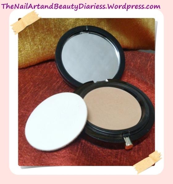 Elizabeth Arden Flawless Finish Ultra Smooth Pressed Powder with Puff