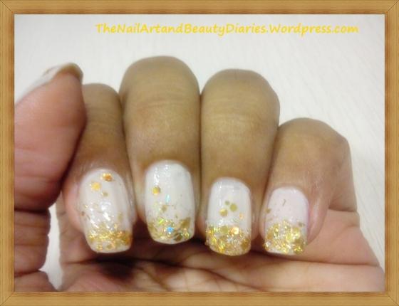 Delicate Nude wih Glitter Nail Art
