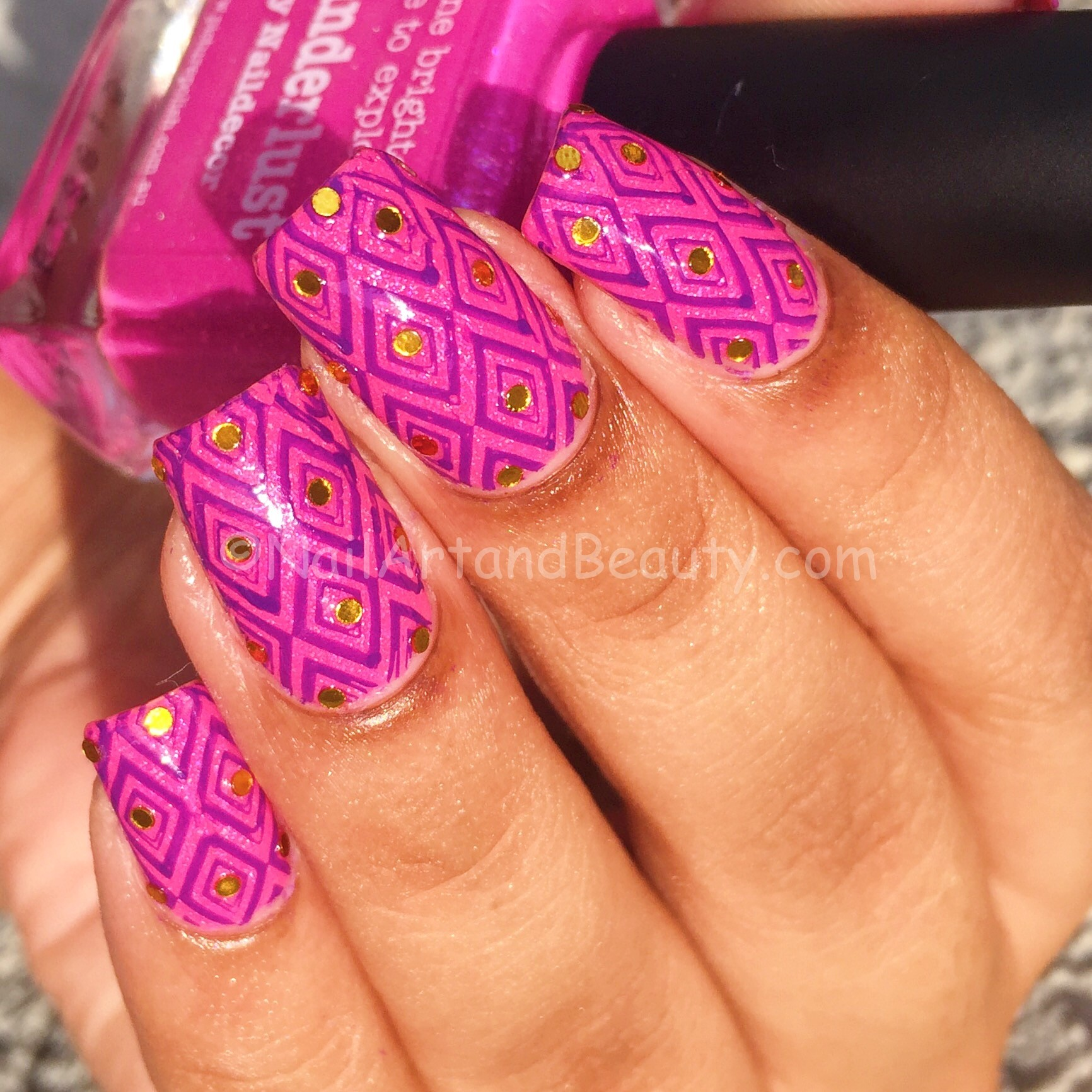 pink-and-purple-festive-nails-2
