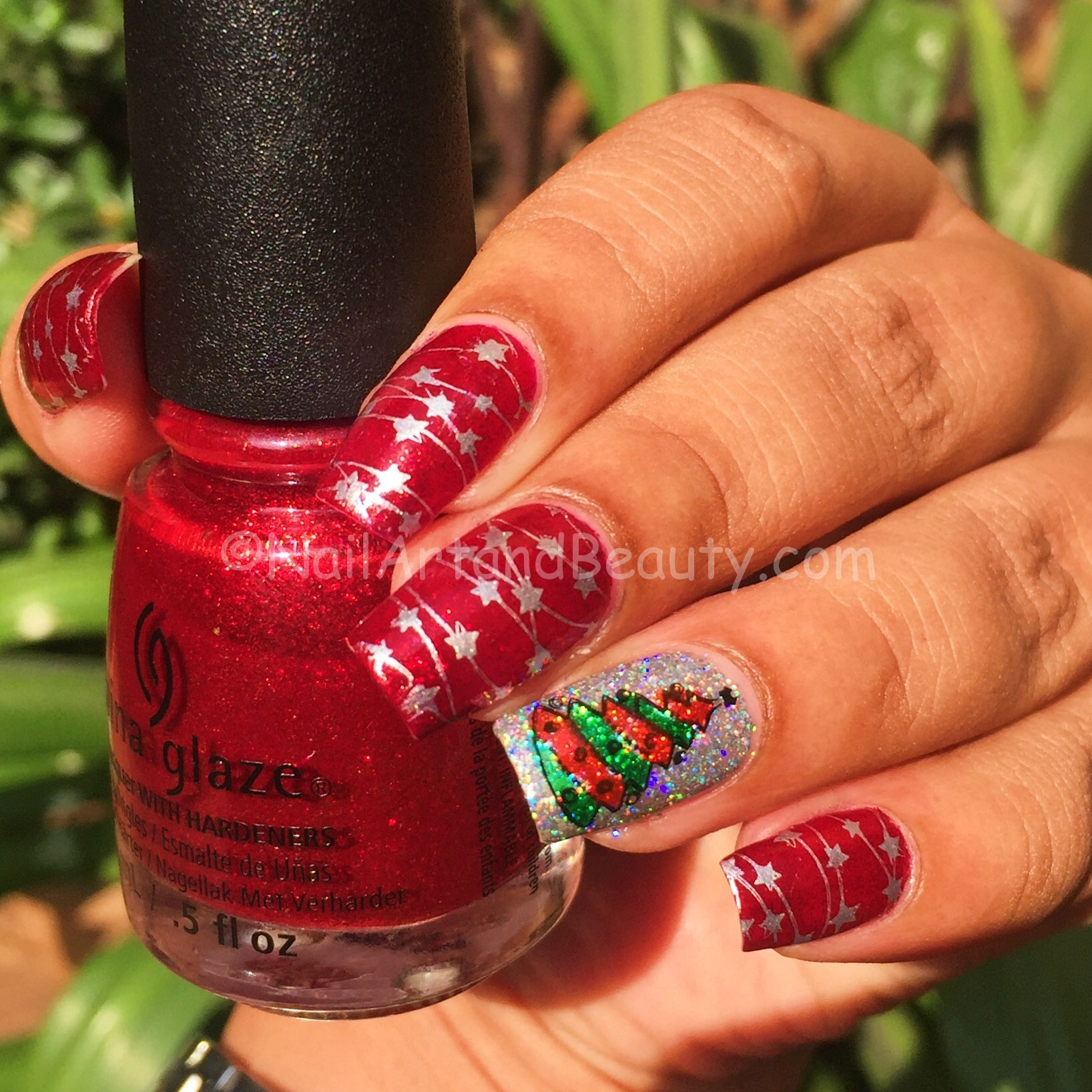 Christmas Tree and Decoration Mani