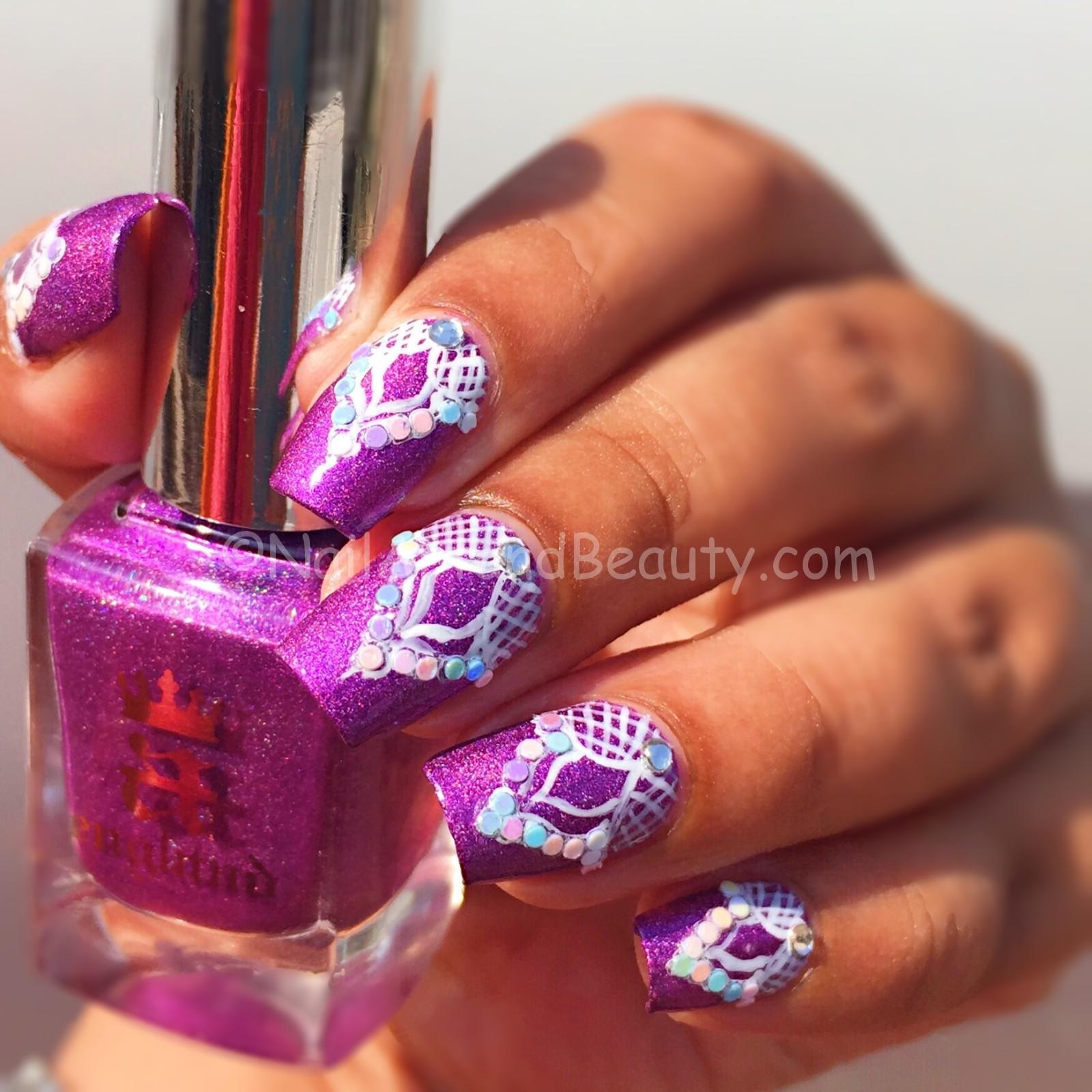 Moghul Motif Nails