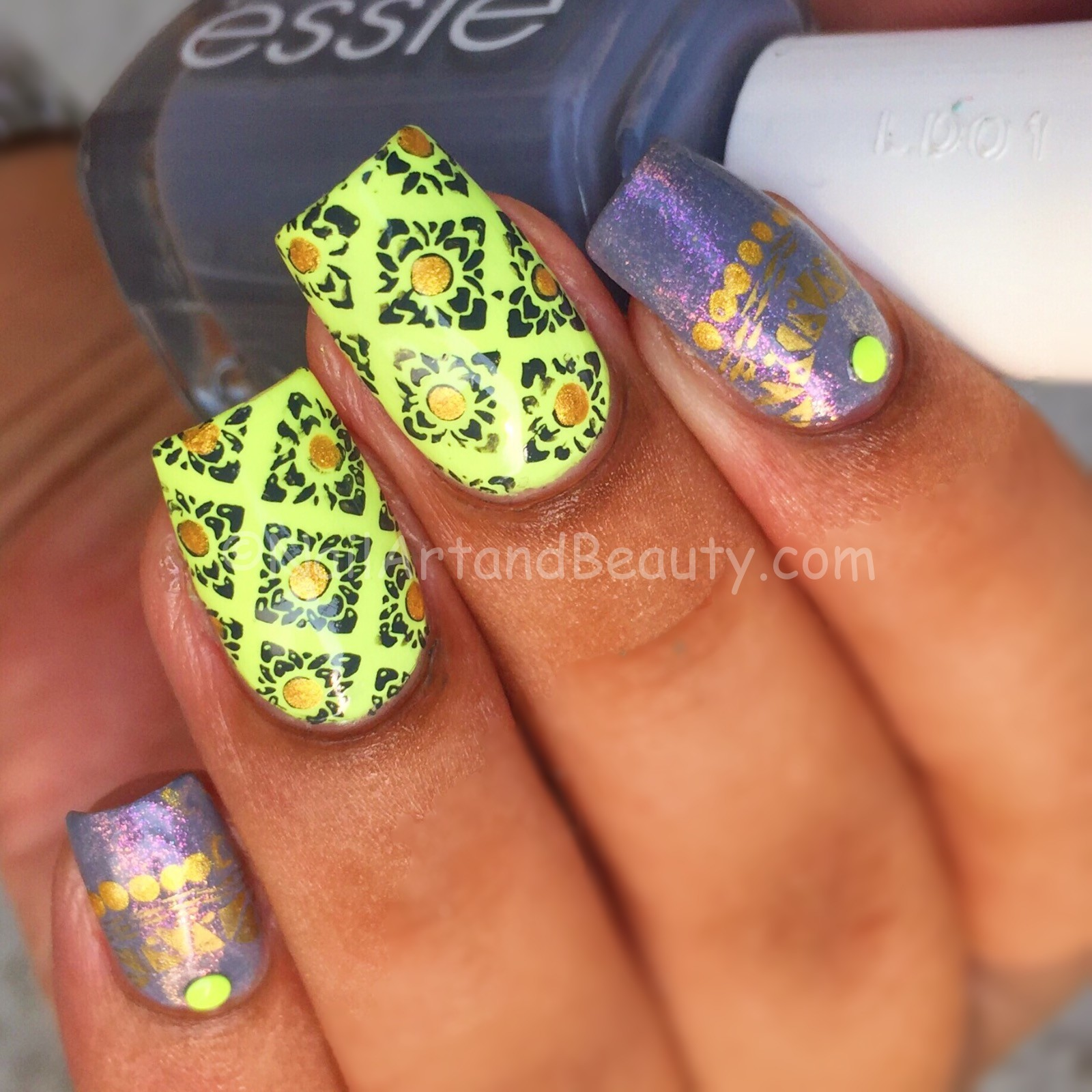 Grey and Lime Nails