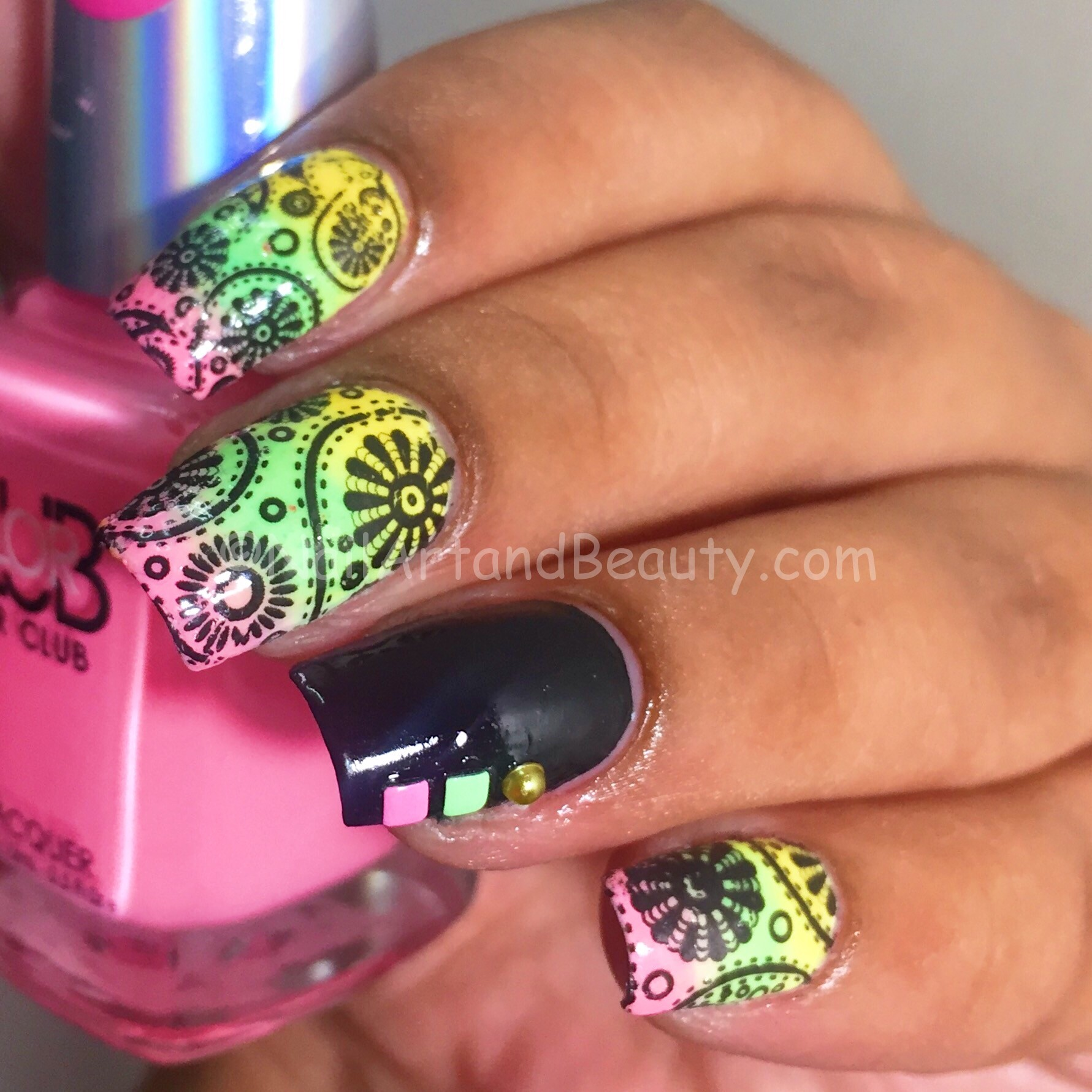Colorful Paisely Nails