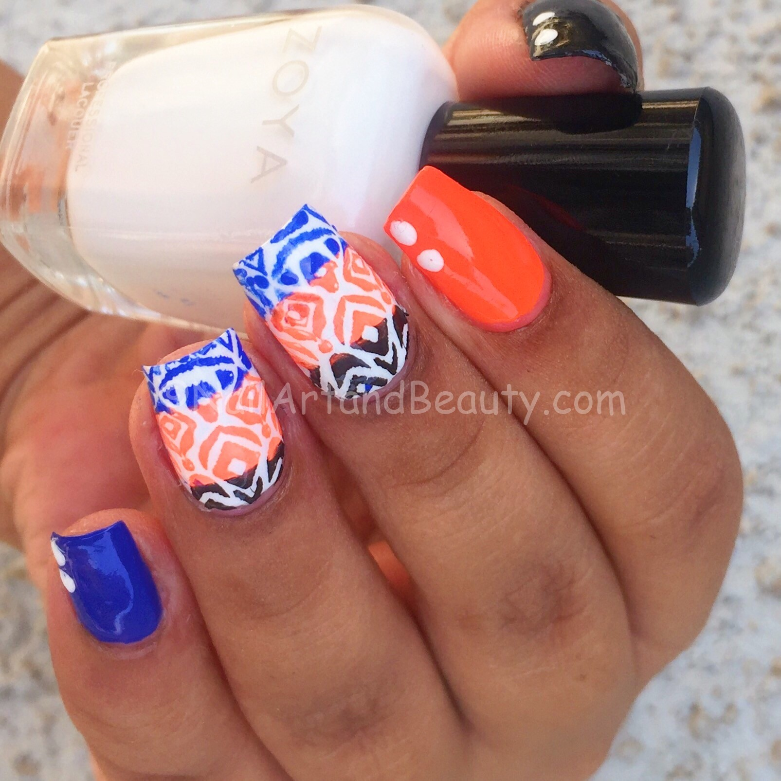 Faux Ikat Nails