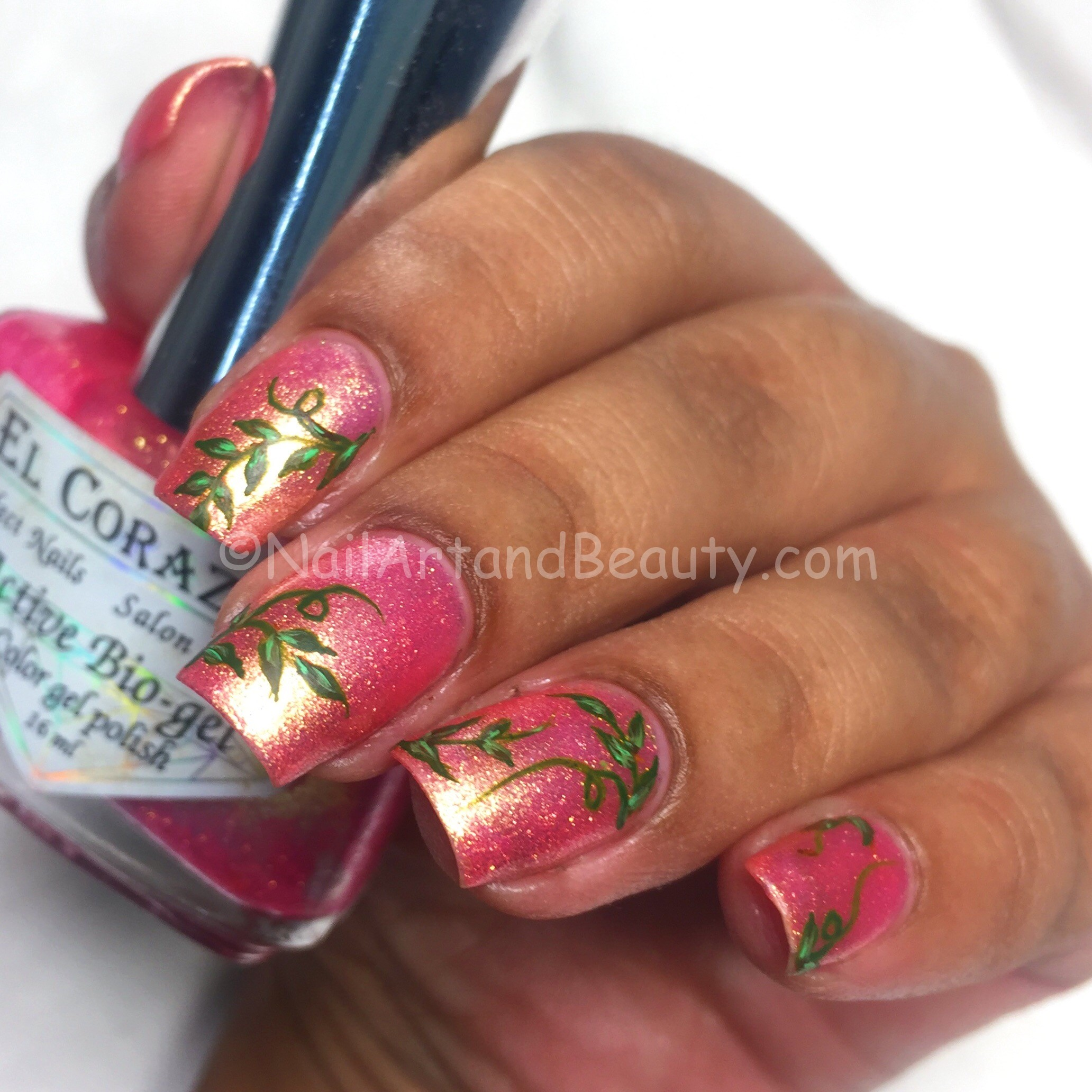 Evergreen Leaves Mani