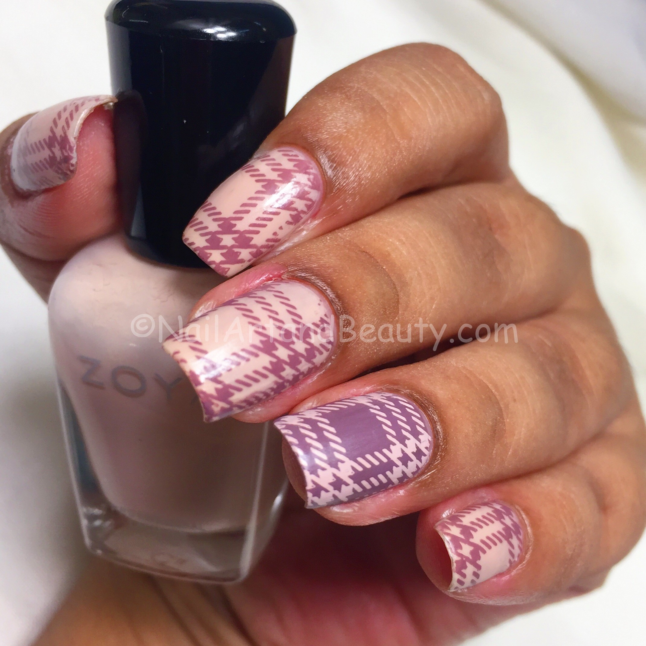 Soft Plaid Nails